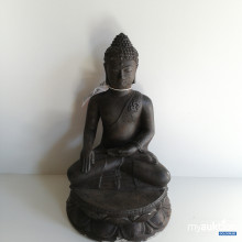 Auktion Buddha sitzend (outdoor)